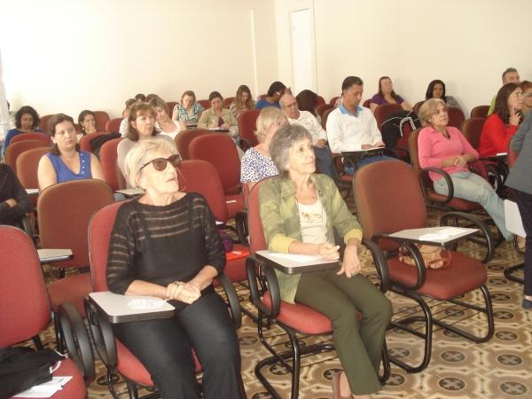 Aula sobre Educação de Idosos