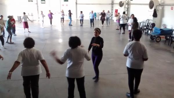 Oficina Dança e Expressão Corporal